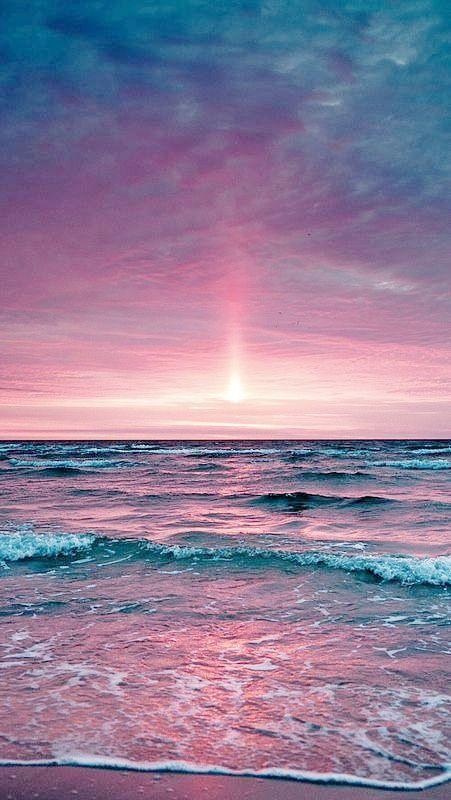 Mer ciel rose